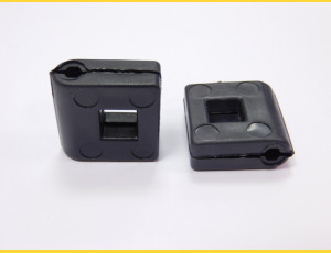 Vymedzovač PVC na príchytku / 5mm / čierny / (bal. 10ks)