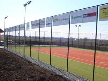 Stĺpiky na tenisové oplotenie